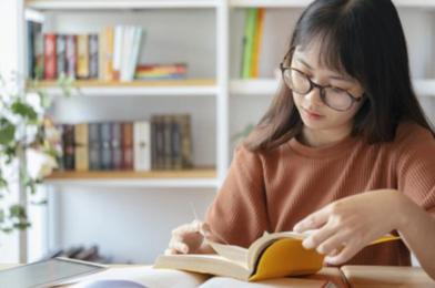 Tingkatkan Kemampuan Literasi Keuangan Dengan Rekomendasi Buku Finansial ini